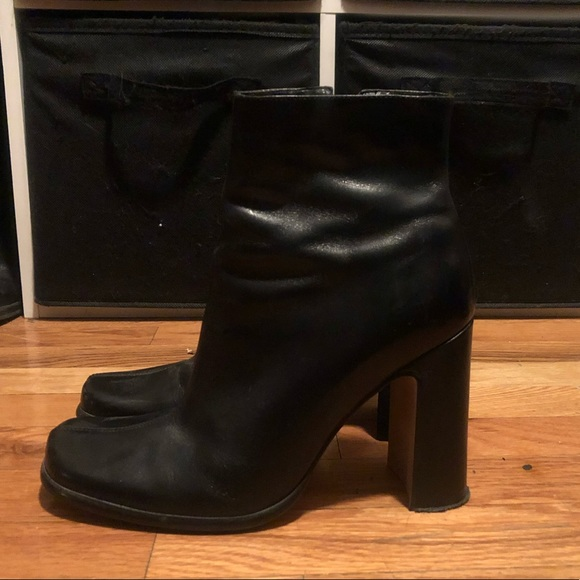 PAZZO Shoes - Pazzo Vintage Heeled booties in size 8.5